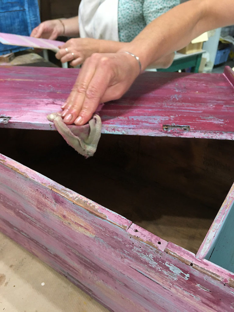 Matériel Pour Patiner Un Meuble stage de patine sur meubles – peinture naturelle